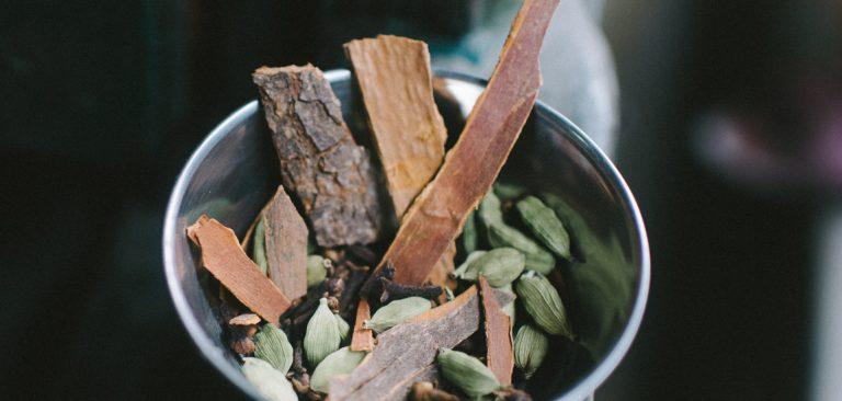 whole spices, garam masala, cinnamon bark, cardamom, cloves