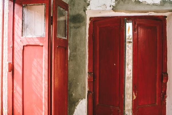 red doors sari bari